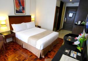 Fersal Hotel Neptune Makati, Hotels  Manila - big - 25