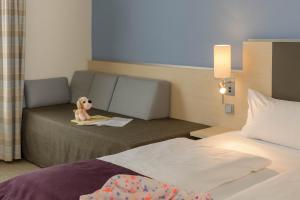 Standard Queen Room with Sofa