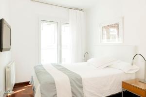 Apartamentos Sabinas El Pilar, Apartmány  Zaragoza - big - 32