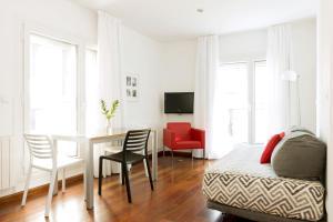 Apartamentos Sabinas El Pilar, Apartmány  Zaragoza - big - 28