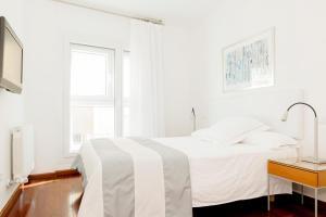 Apartamentos Sabinas El Pilar, Apartmány  Zaragoza - big - 10