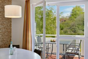 H+ Hotel Ferienpark Usedom, Apartmanok  Ostseebad Koserow - big - 20