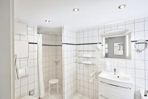 H+ Hotel Ferienpark Usedom, Apartmanok  Ostseebad Koserow - big - 21