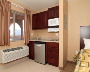 Suburban Extended Stay Hotel Alamogordo, Отели  Alamogordo - big - 3