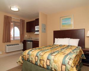 Suburban Extended Stay Hotel Alamogordo, Отели  Alamogordo - big - 9