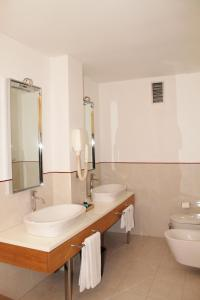 Hotel Motel Futura, Мотели  Падерно-Дуньяно - big - 9