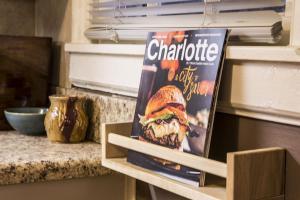 CUTE & COZY 2BR DUPLEX IN DILWORTH NEIGHBORHOOD W/ PARKING, B&B (nocľahy s raňajkami)  Charlotte - big - 2