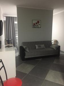Квартира-студия, Apartmanok  Mejinistsqali - big - 9