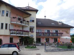 Hotel Goldenhof, Hotels  Ora/Auer - big - 56