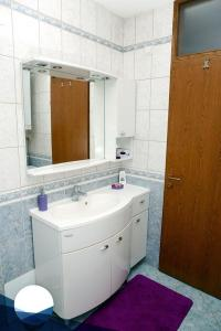 Apartment Osijek 16034a, Ferienwohnungen  Osijek - big - 3
