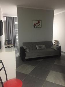 Квартира-студия, Apartmanok  Mejinistsqali - big - 22