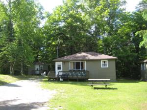 Cloverleaf Cottages, Case vacanze  Oxtongue Lake - big - 2