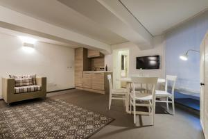 Ferrini Home - Nicito 18 - AbcAlberghi.com