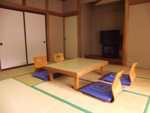 Nishimiyasou, Guest houses  Fujikawaguchiko - big - 4