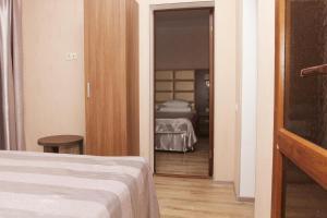 Hotel Chernomorsky Complex of Townhouse, Hotely  Kabardinka - big - 93