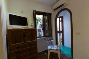 14 Leoni, Bed & Breakfasts  Salerno - big - 26