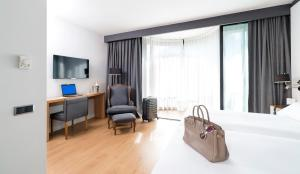 Junior Family Suite (2 Adults)