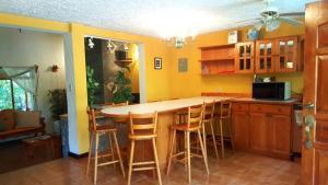 Villas de Atitlan, Комплексы для отдыха с коттеджами/бунгало  Серро-де-Оро - big - 48