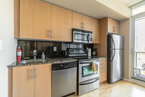 Luxury Furnished Corporate Suite in Downtown Toronto, Appartamenti  Toronto - big - 1