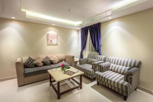 Almuhaidb Faisaliah Hotel Suites, Aparthotels  Riad - big - 5