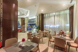 Almuhaidb Faisaliah Hotel Suites, Aparthotels  Riad - big - 18