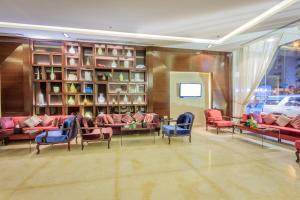 Almuhaidb Faisaliah Hotel Suites, Aparthotels  Riad - big - 21