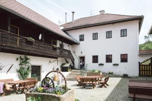 Kleebauer Biohof and Hotel