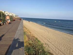 Mi Capricho Con Vistas Al Mar Y A La Piscina, Apartmanok  Sitio de Calahonda - big - 8