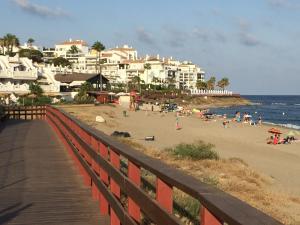 Mi Capricho Con Vistas Al Mar Y A La Piscina, Apartmanok  Sitio de Calahonda - big - 12