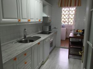 Mi Capricho Con Vistas Al Mar Y A La Piscina, Apartmanok  Sitio de Calahonda - big - 15