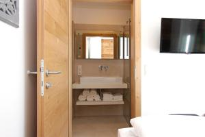 Alpin Lodge Leogang by Alpin Rentals, Apartmány  Leogang - big - 97