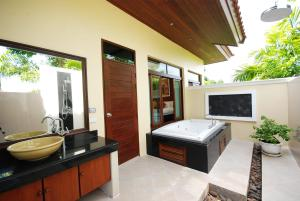 Les Palmares Villas, Курортные отели  Банг Тао Бич - big - 22