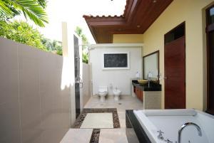 Les Palmares Villas, Курортные отели  Банг Тао Бич - big - 21