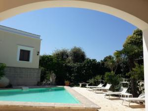 Casal del Borgo, an old farmhouse surrounded by greenery and a few steps from the village., Ferienhäuser  Ostuni - big - 17