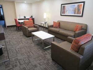 Best Western Premier Milwaukee-Brookfield Hotel & Suites, Hotels  Brookfield - big - 60