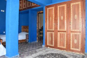 Riad Zanbaq, Riady  Irhoreïssene - big - 4