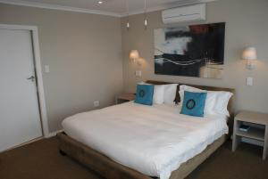 Moya Manzi Beach House, Bed and Breakfasts  Jeffreys Bay - big - 4
