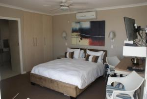 Moya Manzi Beach House, Bed and Breakfasts  Jeffreys Bay - big - 5