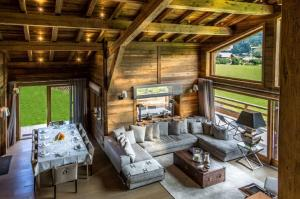 Amazing Meisules chalet w/ heated pool - AbcAlberghi.com