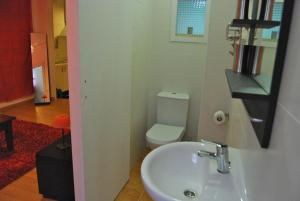 Three-Bedroom Apartment with Balcony (2-6 Adults)
