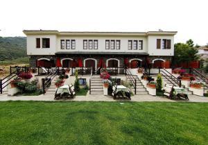 Smaragdi Luxury Apartments(Skala Sotiros)