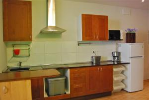 Three-Bedroom Apartment with Patio and City View (2-6 Adults)