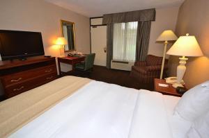 Quality Inn Exit 4 Clarksville, Hotely  Clarksville - big - 3