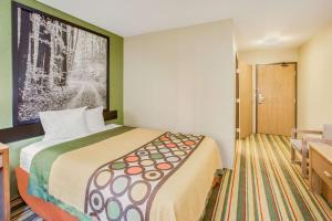 Super 8 by Wyndham Grayling, Hotely  Grayling - big - 15