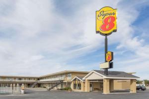 Super 8 by Wyndham Wells, Hotels  Wells - big - 1
