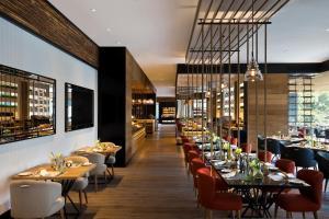 Shangri-La's Eros Hotel (8 of 36)