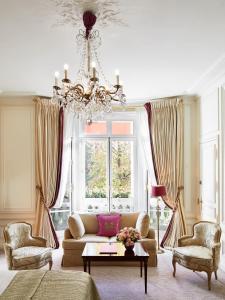 Junior Suite with Avenue View