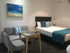 Ensenada Motor Inn and Suites, Motels  Adelaide - big - 47