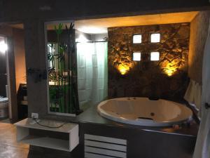 Pueblo Santo, Cabañas & Suites