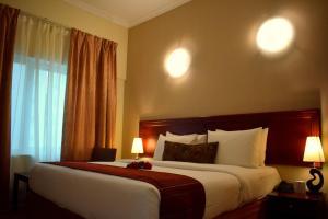 Nejoum Al Emarat, Hotel  Sharjah - big - 47